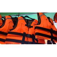 Спасательный жилет сертифицированный   (двухсторонний, 2 кармана, воротник, свисток, 5 строп в том числе паховые)